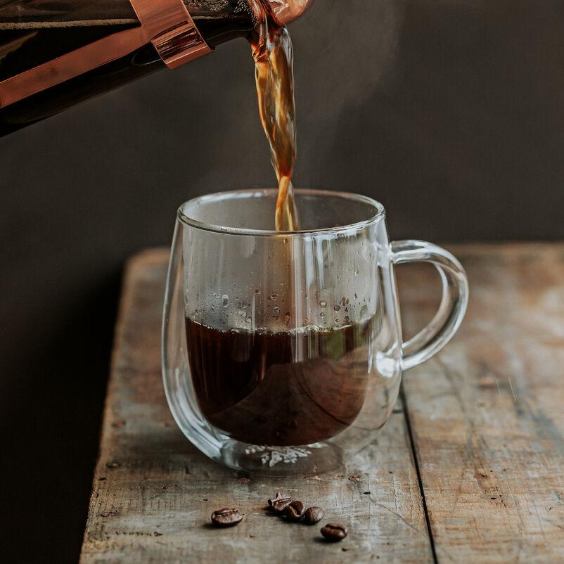 Nova Mug with coffee pouring in