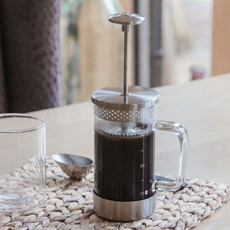 Barista & Co Chrome 3-Cup Cafetiere with coffee
